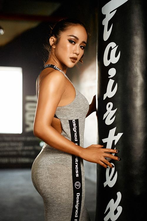 Lucy Thảo - chuyên gia phân tích và cố vấn thể lực, dinh dưỡng từ Hiệp hội Khoa học Thể thao; vô địch hạng mục Bikini tại Muscle Contest 2017; Top 4 người Việt có sức ảnh hưởng trong lĩnh vực sức khỏe và thể hình 2017 do Influence Asia bình chọn.