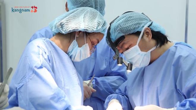 Ca phẫu thuật mũi của Thêu kéo dài 2 tiếng.
