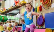 Cô bé 5 tuổi cụt tứ chi chạy marathon 21 km