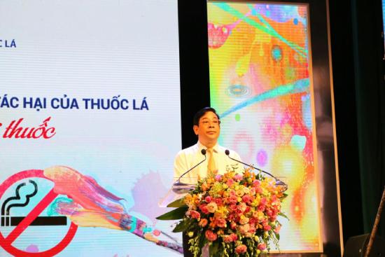 Phó giáo sư, tiến sĩ Lương Ngọc Khuê, Cục trưởng Cục quản lý Khám, chữa bệnh, giám đốc Qũy Phòng chống tác hại của thuốc lá.