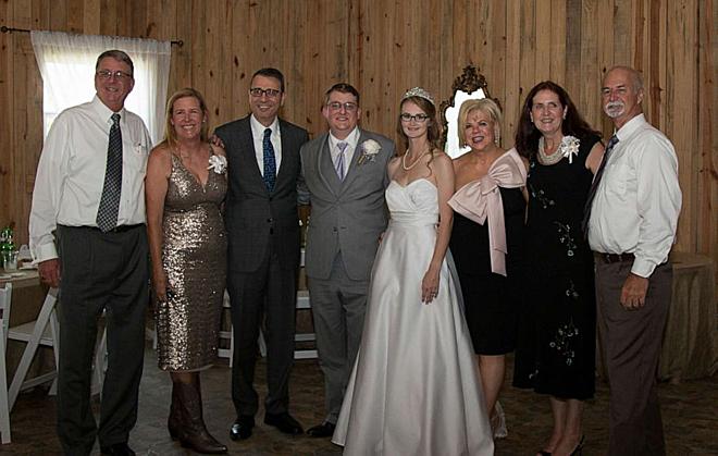 Gia đình hai bên cùng chúc phúc cho cặp đôi đặc biệt. Ảnh: GMA