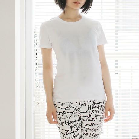 Mẫu áo cho nữ giúp vòng hai trông đầy đặn hơn. Ảnh: ekoD.