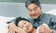 Phụ nữ tuổi trung niên thường giảm ham muốn ái ân