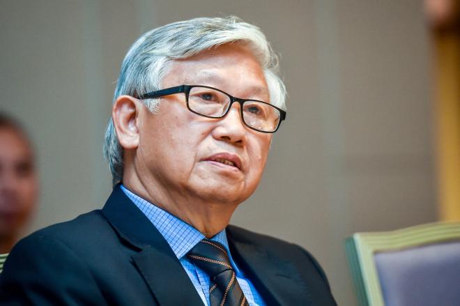 Giáo sư, tiến sĩ, bác sĩ Nguyễn Gia Khánh, Chủ tịch hội Nhi khoa Việt Nam có gần 50 năm nghiên cứu về dinh dưỡng nhi khoa.