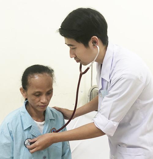 Người khách Philippines nhiễm độc hormone giáp lúc quá cảnh Tân Sơn Nhất
