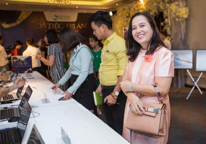Đại diện các doanh nghiệp đến tham dự sự kiện Dạ tiệc tri ân doanh nghiệp của Hệ thống Y tế Thu Cúc.