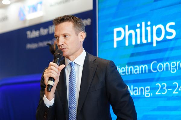 Ông Hugo Luik, Tổng giám đốc Philips Việt Nam phát biểu khai mạc chương trình.