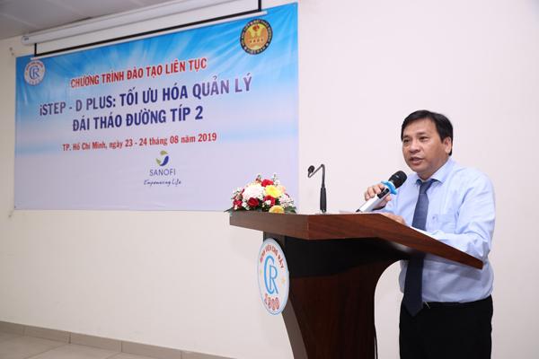 Việt Nam cũng như nhiều nước trên thế giới phải gánh chịu áp lực từ sự gia tăng số người mắc bệnh đái tháo đường. Mong muốn nâng cao kiến thức về bệnh, chương trình Diabetes Your Type của Sanofi mang đến thuốc điều trị,sự kiện giáo dục, giải pháp chăm sóc toàn diện, giúp gười dântiếp cận với y học tiên tiến.Vừa qua, Sanofi Việt Nam tiếp tục phối hợp cùng VADE (Hội Nội tiết & Đái tháo đường) và 6 trung tâm đào tạo là các bệnh viện đầu ngành trên khắp Việt Namthực hiện dự án đào tạo chuyên sâu quốc tế về đái tháo đường iSTEP-D Plus. Chương trình đào tạo nâng cao iSTEP -D plus tại bệnh viện Chợ Rẫy mở đầu cho chương trình trong giai đoạn 2019-2020, nhằm hỗ trợ, tạo điều kiện chobác sĩ nội tiết, nội tổng quát cập nhật kiến thức y khoa, trao đổi kinh nghiệm.Hơn 25 bác sĩ nội tiết công tác ở các bệnh viện tại TP HCM và khu vực phía Nam tham gia chương trình, có những trao đổi chuyên sâu trong lĩnh vực chẩn đoán điều trị đái tháo đường cùng chuyên gia đầu ngành.