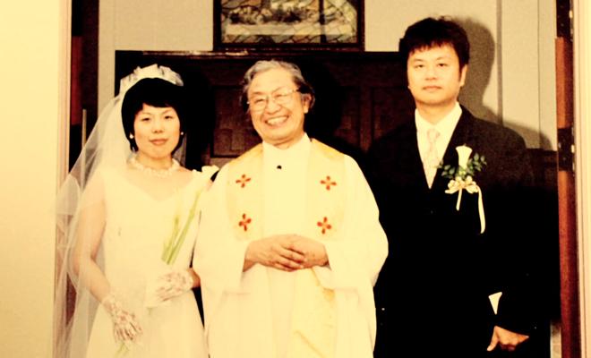 Vợ chồng Anwu trong ngày cưới. Ảnh: Bldaily