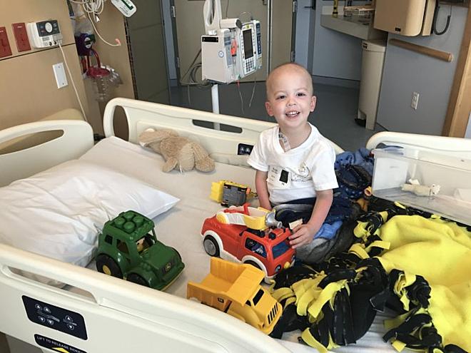 Beckett phát bệnh từ năm 2018 và phải nằm điều trị tại viện để truyền hóa chất. Ảnh: Metro