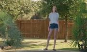 Cô gái 16 tuổi có đôi chân dài nhất thế giới