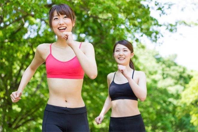 Hoạt động thể chất giúp tăng cường sức khỏe.