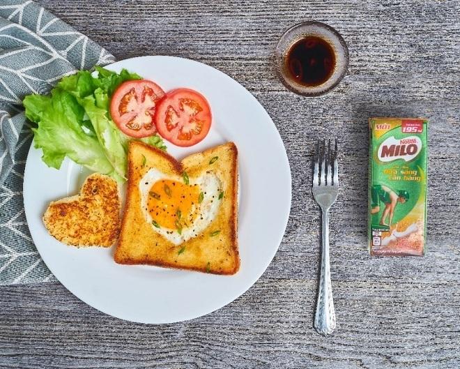 Bữa sáng lành mạnh, đầy đủ dinh dưỡng giúp trẻ tiếp thu tốt hơn.