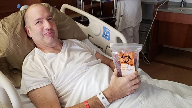 Mike được ghép tủy xương, trải qua nhiều đợt hóa trị vì bệnh ung thư. Ảnh: Fox News