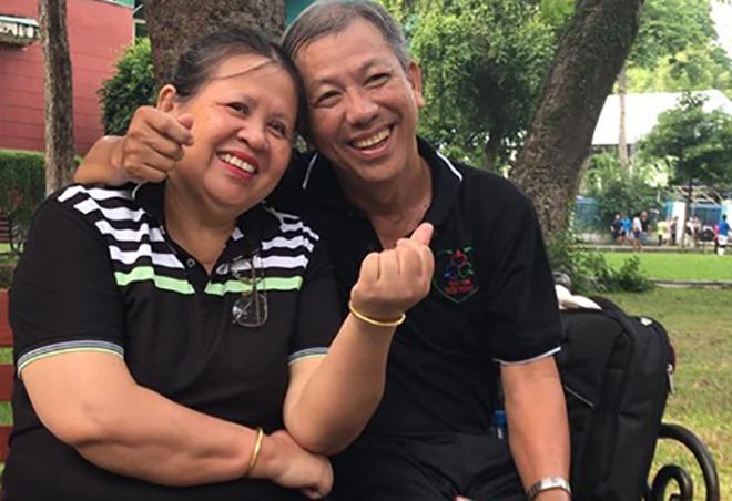 Vợ luôn đồng hành cùng bác sĩ Giang vượt qua bệnh tật. Ảnh nhân vật cung cấp.