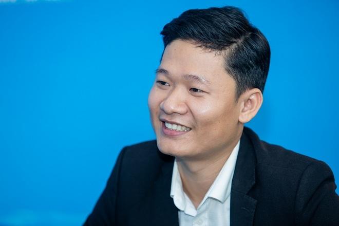 Ông Lê Đức Phú thông tin đến độc giả công dụng nước điện giải ion kiềm.