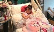 Bé gái chữa khỏi ung thư buồng trứng