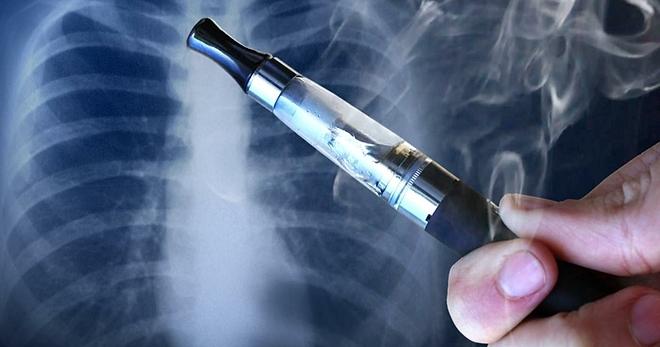 Nguy cơ ung thư tiềm ẩn khi thường xuyên hút thuốc lá điện tử. Ảnh: WTVA