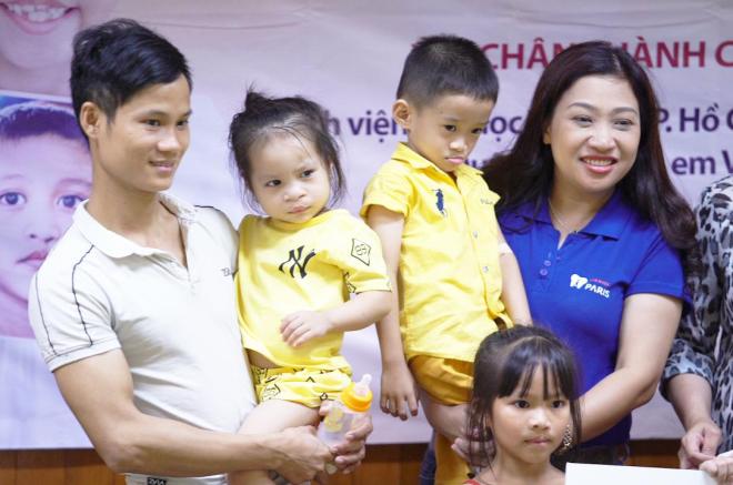 Nha khoa Paris và Operation Simle Việt Nam tổ chức phẫu thuật nụ cười miễn phí