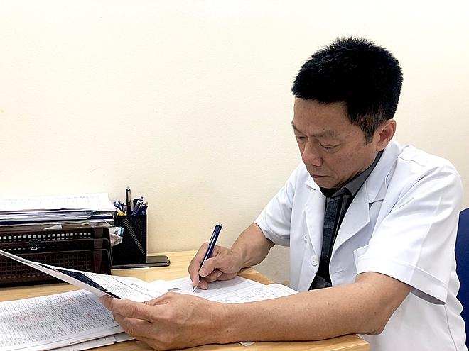 Thạc sĩ, bác sĩ Lưu Quốc Khải, trưởng khoa Đẻ 2, bệnh viện Phụ Sản Hà Nội. Ảnh: Thùy An