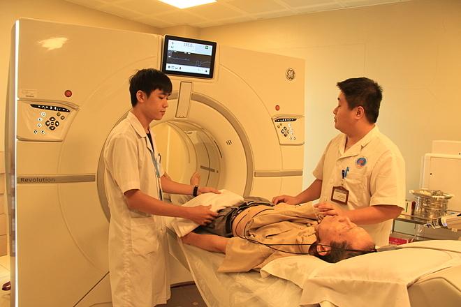 Hệ thống chẩn đoán hình ảnh ứng dụng công nghệ 4.0 giúp điều trị nhiều bệnh lý phức tạp. Ảnh: Hương Thủy