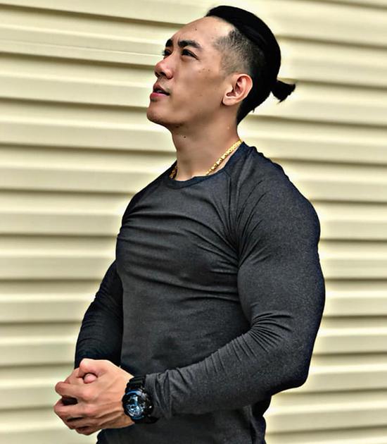 Nhờ gym, mình tự tin mặc đồ đúng form dáng, trông nam tính hơn rất nhiều, Dũng nói. Ảnh: Nhân vật cung cấp