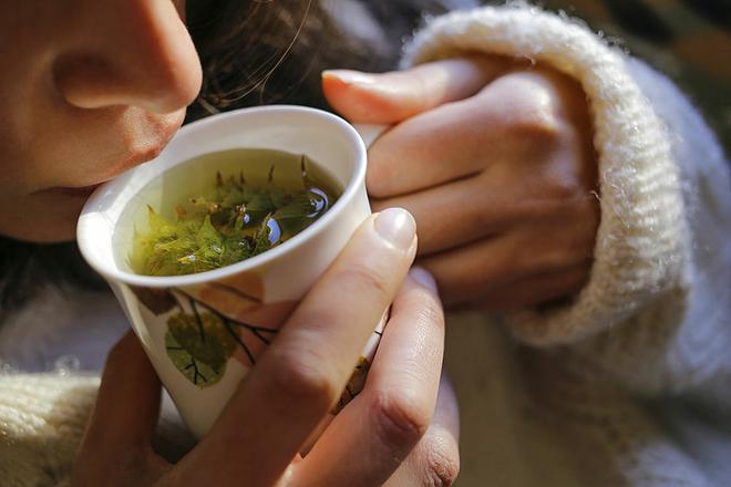 Thảo dược thiên nhiên có tác dụng hiệu quả trongviệc điều trị chứng ho khan, đau họng, nhất là khi thời tiết giao mùa, chuyển lạnh. Ảnh: Top Sante