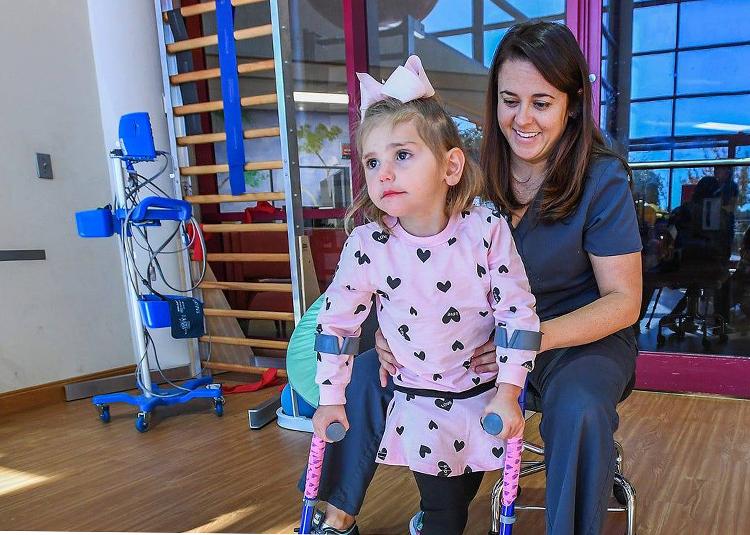 Bệnh viêm tủy cấp là nguyên nhân chính gây ra hơn 560 trường hợp bại liệt ở trẻ nhỏ tại Mỹ kể từ năm 2014 đến nay. Ảnh: CNN