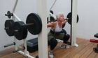 Bà cụ 73 tuổi tập gym giảm 25 kg