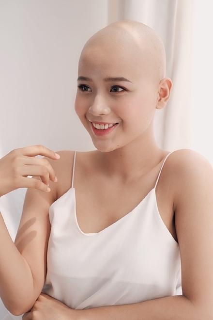Đặng Trần Thủy Tiên đang là sinh viên Đại học Ngoại Thương Hà Nội. Ảnh: NVCC