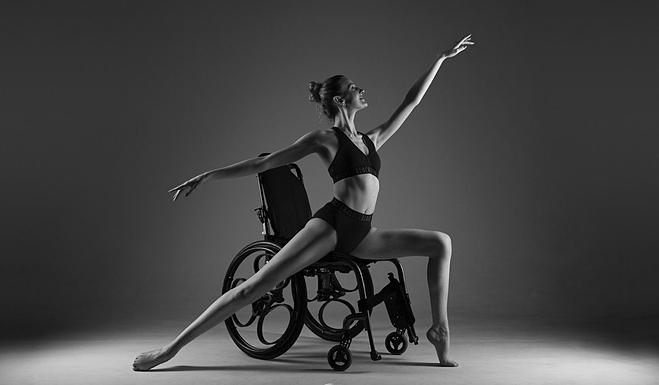 Với nỗ lực của mình, Kate đã trở thành một giáo viên dạy múa ballet. Ảnh:Hannah Todd Photoghraphy