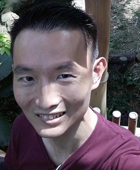 Chris Tan may mắn vượt qua căn bệnh trầm cảm nhờ sự giúp đỡ, động viên từ gia đình, bạn bè. Ảnh: SCMP
