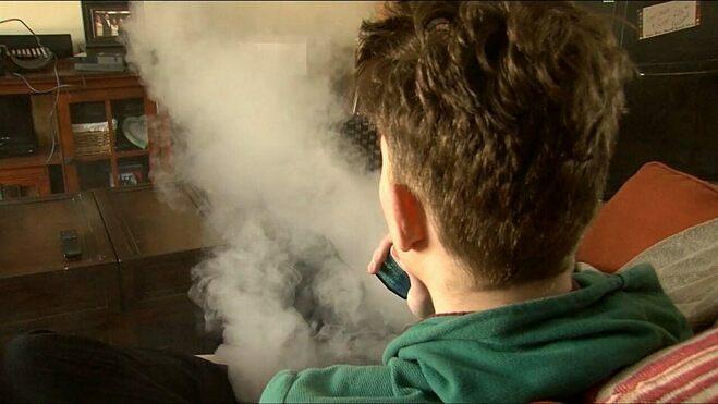 Ngành công nghiệp Vape phải đối mặt với sự giám sát ngày càng nghiêm ngặtđối với các chiến thuật tiếp thị hướng đến thanh thiếu niên. Ảnh: Fox News