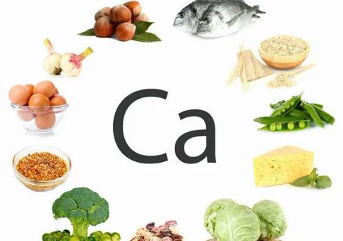 Cá, trứng, rau xanh giàu canxi... được khuyến khích đưa vào chế độ ăn để hỗ trợ tăng chiều cao. Ảnh: Be life.