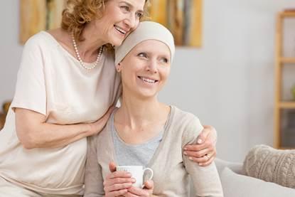 Chăm sóc bệnh nhân ung thư cần có kĩ năng giúp bệnh nhân tin tưởng.