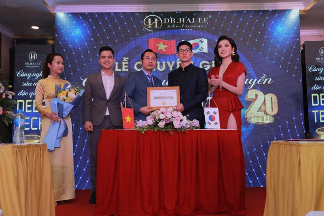 Lễ chuyển giao công nghệ Deep Tech20 cho Dr.Hải Lê.