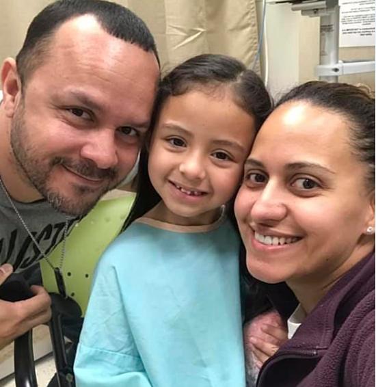 Bức ảnh Sophia hạnh phúc bên gia đình được chụp mới đây. Ảnh: Daily Mail
