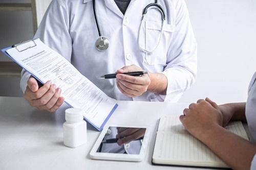 Nhờ sàng lọc ung thư cổ tử cung, nhiều bệnh nhân sớm phát hiện bệnh và điều trị hiệu quả. (Ảnh minh họa).