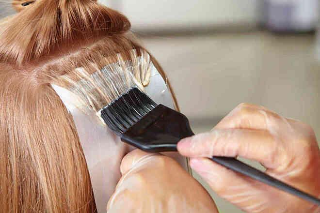 Phụ nữ da đen sử dụng các sản phẩm nhuộm tóc có nguy cơ mắc ung thư vú cao hơn 60%. Ảnh: Shutterstock