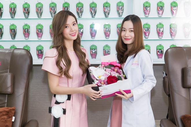 Zemara mắt tại Sài Gòn ngày 22/11, cung cấp hàng nghìn chiếc kềm chất lượng với khâu tiệt trùng và sát khuẩn nghiêm ngặt tại mỗi địa điểm làm nail của thương hiệu.