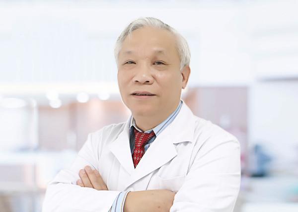 Tiến sĩ, bác sĩ Nguyễn Phương Hồng, Nguyên giám đốc Trung tâm Nam học (Bệnh viện Việt Đức).