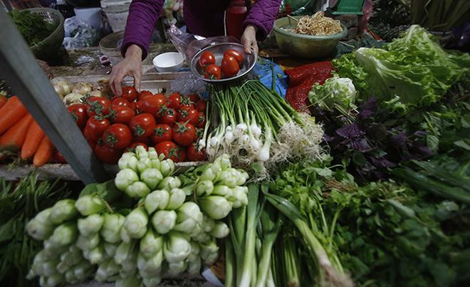 Nhận biết rau củ tươi ngon dựa vào quan sát màu sắc, kích thước. Ảnh:Reuters.