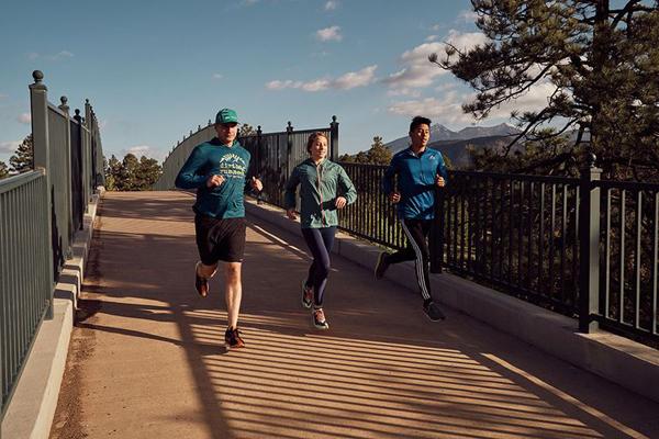 Chạy bộ khoa học, kết hợp dinh dưỡng đúng đem lại nhiều lợi ích cho sức khỏe. Ảnh: Runnersworld