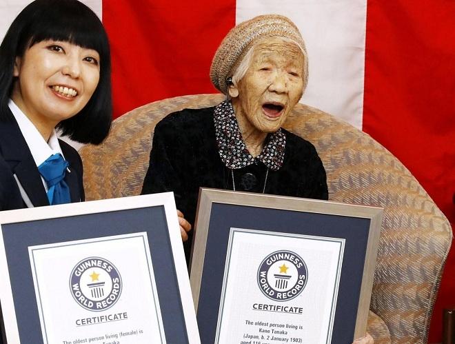 Cụ bà Kane Tanaka được công nhận là người sống thọ nhất thế giới vào năm ngoái. Ảnh: Reuters