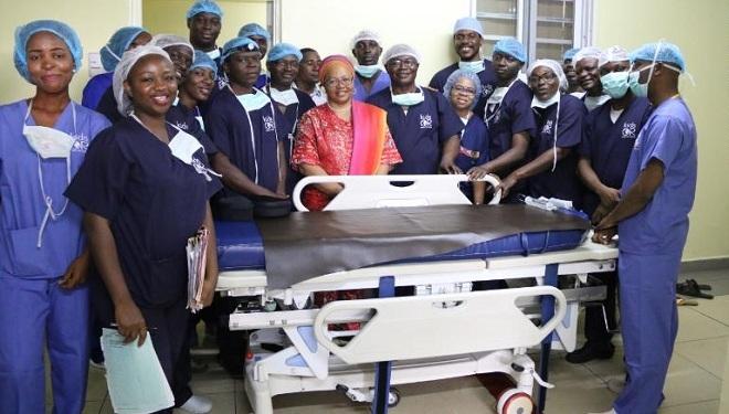 Đội ngũ bác sĩ phẫu thuật. Ảnh: Courtesy National Hospital