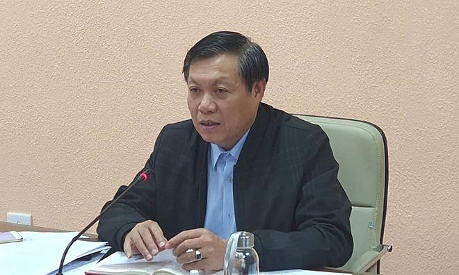 Thứu trưởng Y tế Đỗ Xuân Tuyên chỉ đạo phòng, chống dịch viêm phổi lạ, chiều 15/1. Ảnh: L.N.