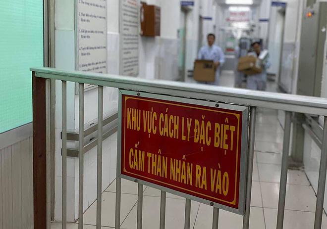 Bệnh viện Chợ Rẫy cách ly hai bệnh nhân từ Vũ Hán, Trung Quốc dương tính với virus nCoV