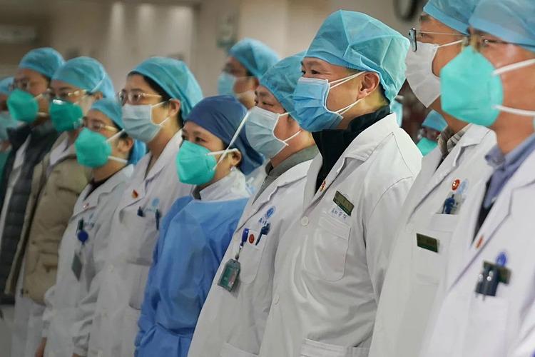 Y bác sĩ từ khắp Trung Quốc sẽ được tăng cường cho Vũ Hán. Ảnh: Xinhua.