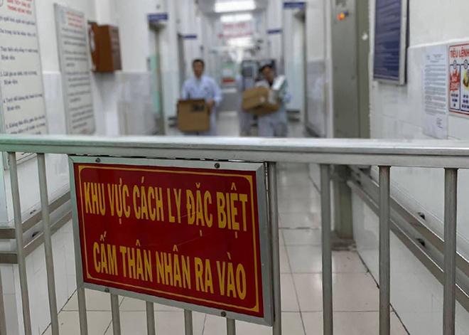 Khu vực cách ly bệnh nhân viêm phổi Vũ Hán tại Bệnh viện Chợ Rẫy. Ảnh: Lê Phương.