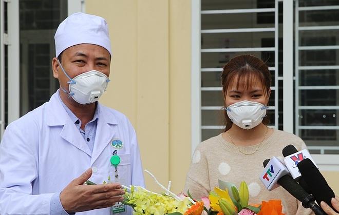 Bệnh nhân Nguyễn Thu Trang xuất viện sáng 3/2. Ảnh: Bệnh viện cung cấp